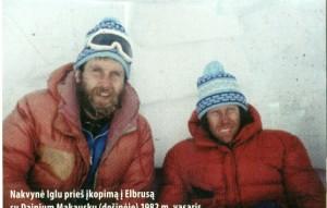 Kopimo į Elbrusą metu. Vytautas Dumbrovas kairėje.