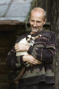 Piotras Mamonovas su katinu